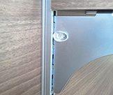 「スイッチロックブラケットシリーズ(玄関・リビング・クローゼットその他一般家庭用)」の特長画像_02
